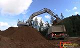 沃尔沃EC300D 挖掘机装载卡车