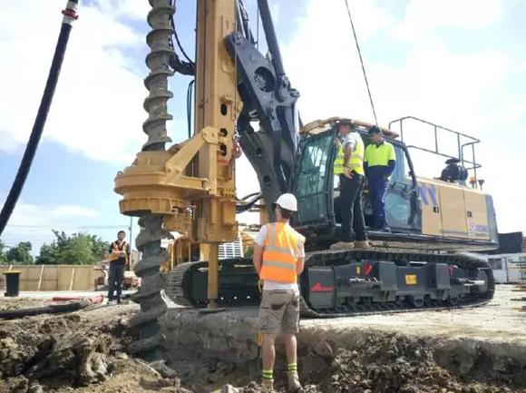徐工XR130E旋挖钻机施工现场