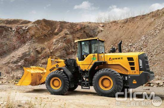"""矿山施工的""""霸器"""" 山东临工l956f装载机油耗和"""