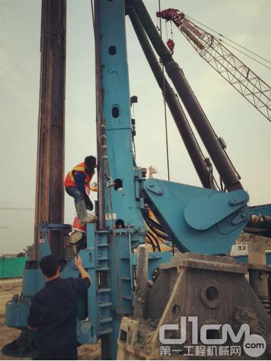 宇通重工旋挖钻机在印尼雅加达施工