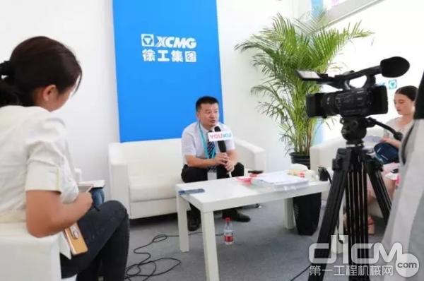 徐工消防总经理、党委书记李前进接受媒体采访