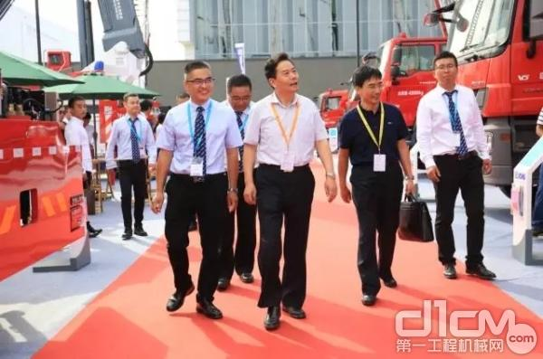 国家消防行业领导参观徐工V5系列产品