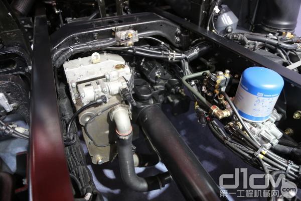 法士特的12JSD160TA变速箱