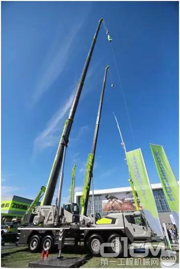 中联重科4.0系列100吨起重机