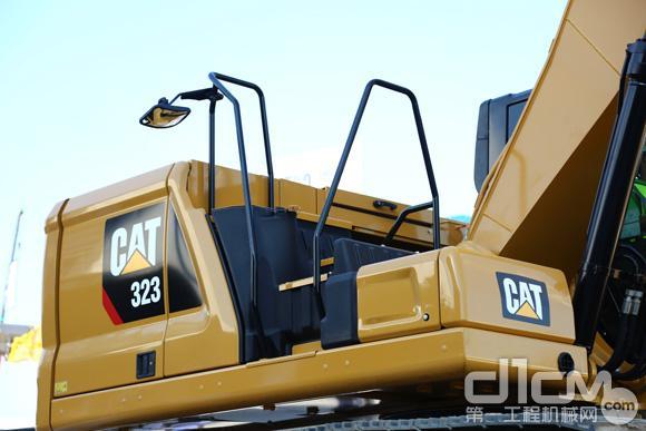 Cat® 323挖掘机上部车架