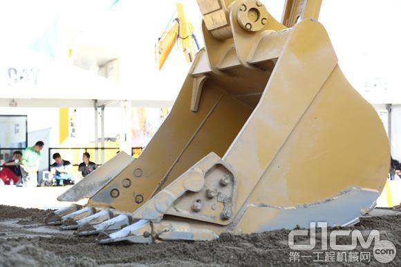 Cat® 323挖掘机铲斗