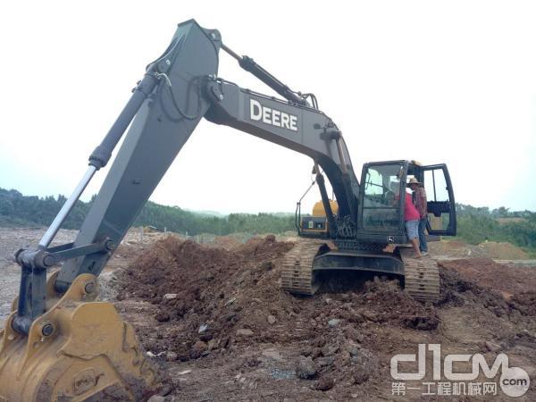柳州工程机械用户登机了解迪尔挖掘机配置