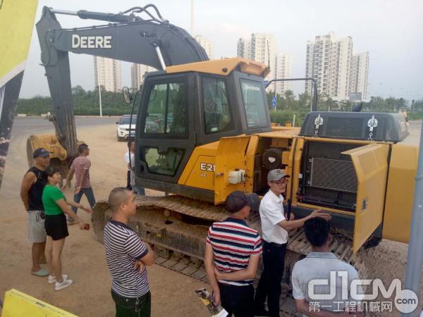 柳州工程机械用户详细了解迪尔工程机械设备