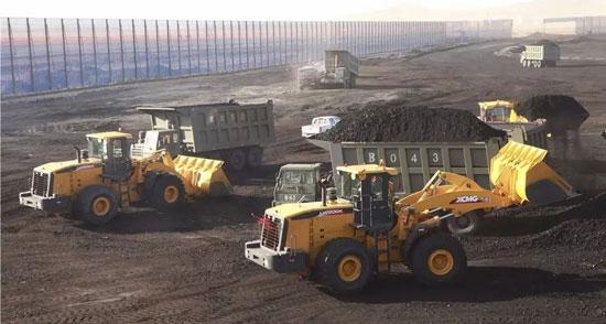 徐工LW800K大吨位装载机再次批量交付某露天煤矿