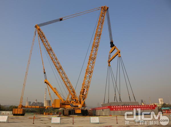 徐工XGC28000履带起重机北京永定河特大桥吊装现场