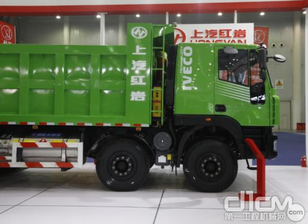 该车型标载百公里耗气量35kg