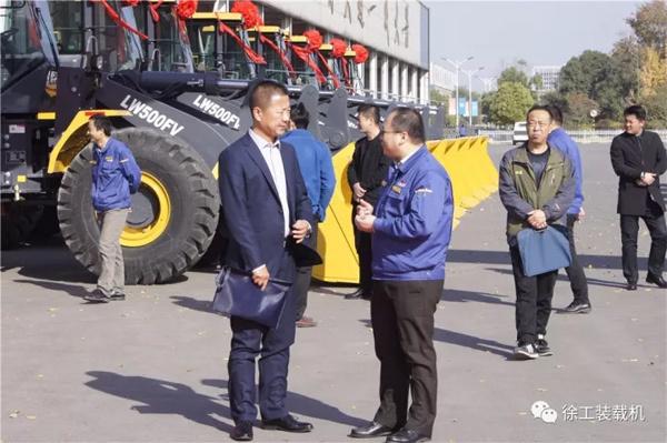 """徐工V系列装载机助力打造亿吨级""""煤矿绿洲"""""""