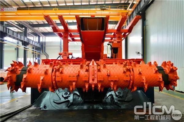 煤矿护盾式快速掘锚装备