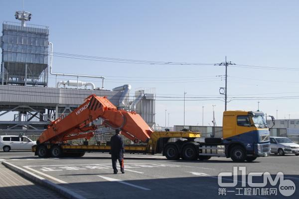 日立建机日本常陆那珂临港工厂货运物流现场