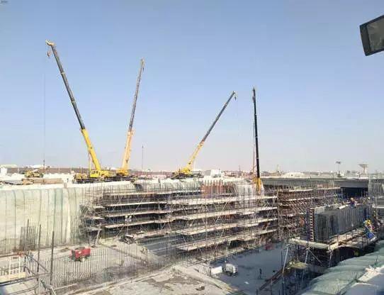徐工起重机助力2022年卡塔尔世界杯场馆建设