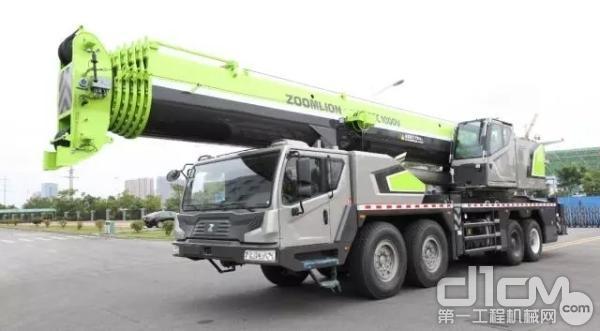 中联重科ZTC1000V汽车起重机