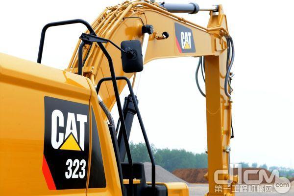 新一代Cat® 323挖掘机