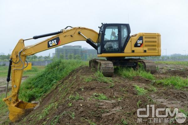 新一代Cat® 320 GC挖掘机