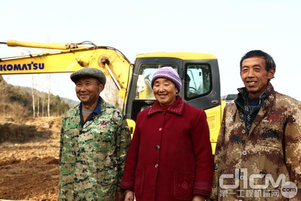 广元剑阁县的老乡非常认可小松挖掘机的产品质量