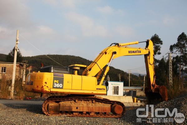 小松PC360-7挖掘机是这里的主力机型