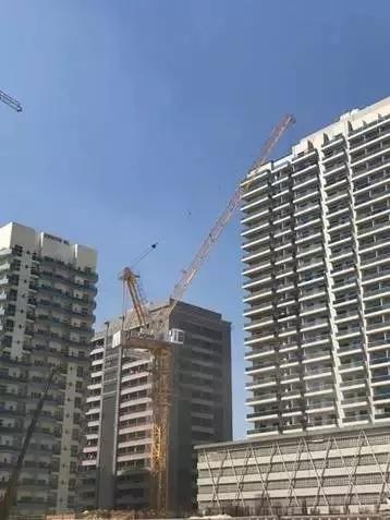 徐工塔机助力中东建筑施工