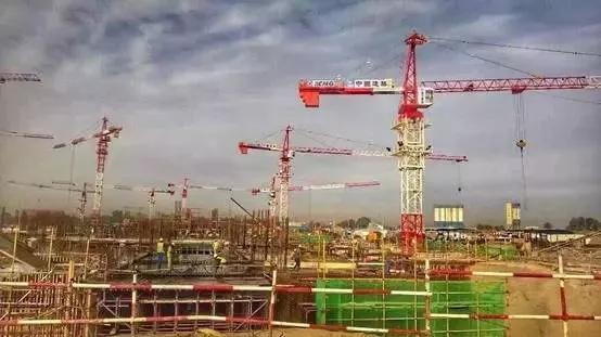 徐工塔机助力非洲施工项目