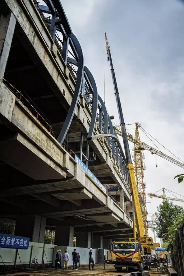 在郑州,XCT25助力轨道交通建设
