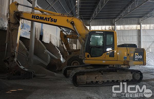小松PC200 LC挖掘机已工作超万小时