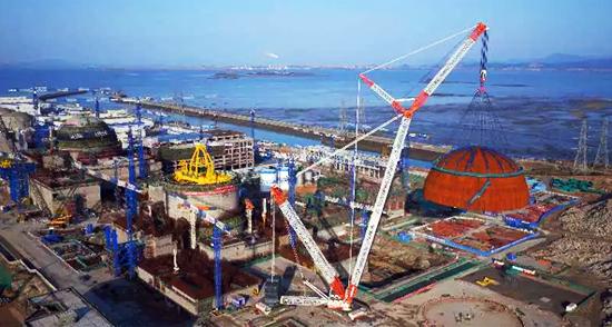 中联重科3200吨伟德国际1946开户助力国内第二台华龙一号穹顶吊装