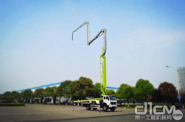 中联重科37米高精高效泵车