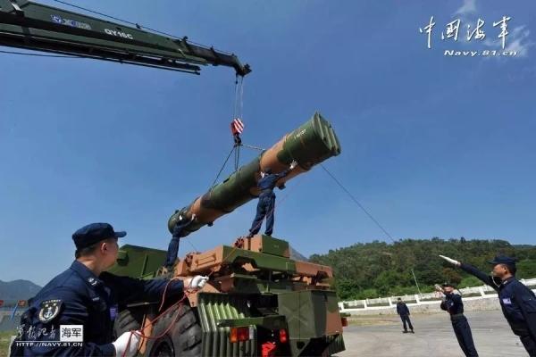 徐工起重机为军队建设提供保障