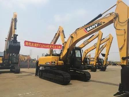 三一SY225H挖掘机