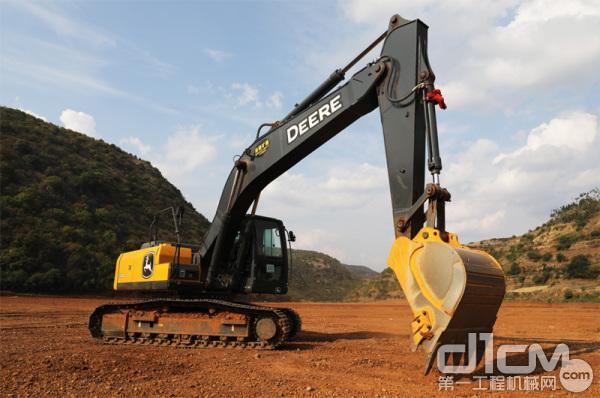 约翰迪尔E210标准版挖掘机在施工
