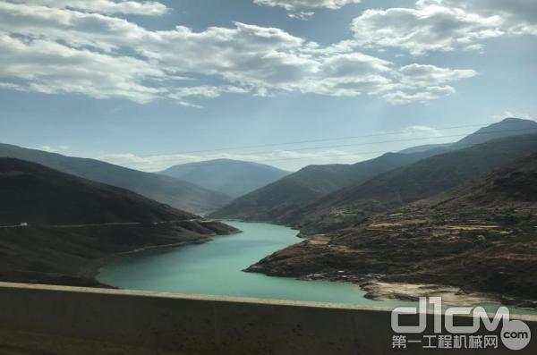香格里拉沿途美景