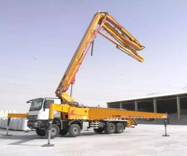 徐工HB56K泵车亮相迪拜