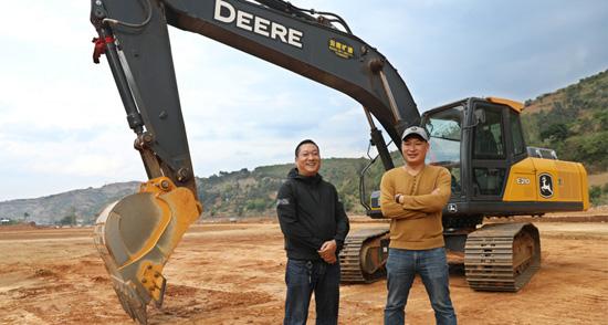 用户说:公司的小伙子都爱开约翰迪尔挖掘机