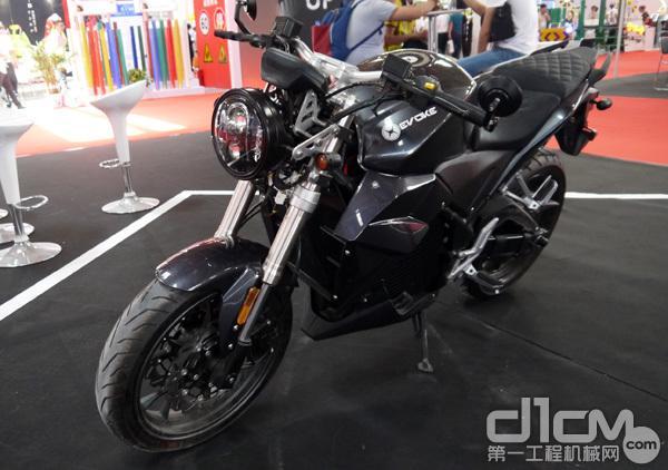 黑色的电动摩托车(真正的电摩)