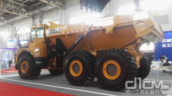 徐工XDA40铰接式卡车