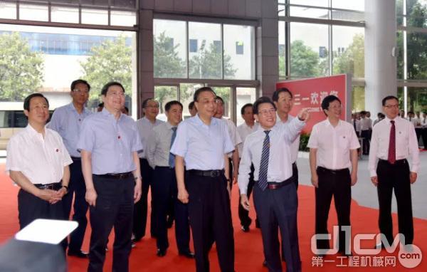 6月12日上午,中共中央政治局常委、国务院总理李克强在湖南省委书记杜家毫的陪同下视察三一集团