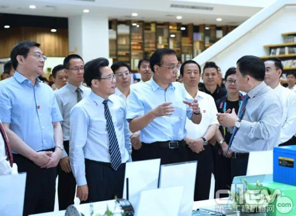 中共中央政治局常委、国务院总理李克强视察三一集团研发大楼