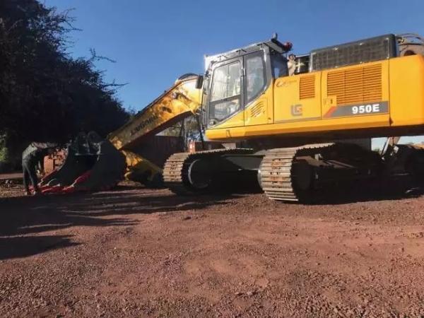 柳工950E大型挖掘机