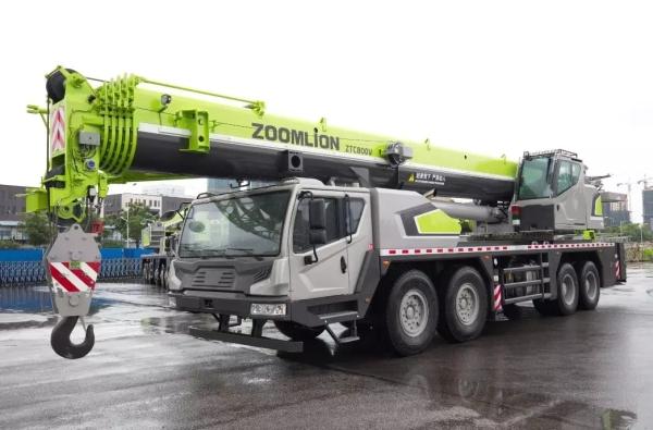 中联重科80吨6节臂汽车起重机ZTC800V653
