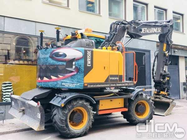 沃尔沃EWR150E无尾回转轮式挖掘机