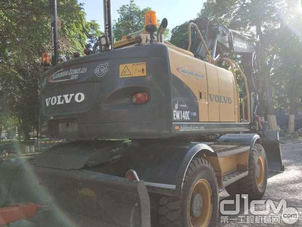 沃尔沃EC140C轮式挖掘机