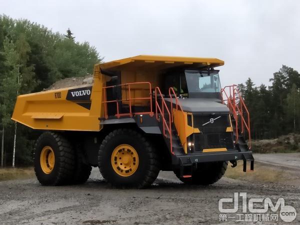 沃尔沃最新款刚性自卸车