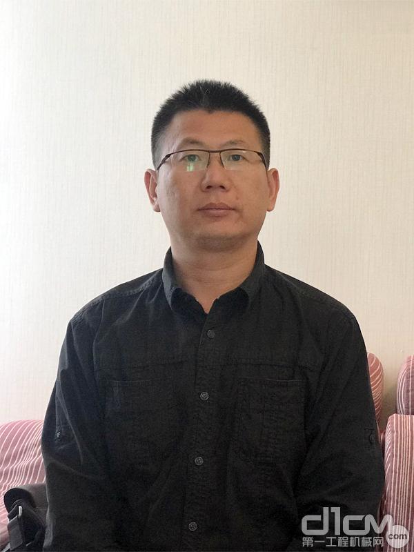 内蒙古蒙西天远工程机械贸易有限公司总经理张新华