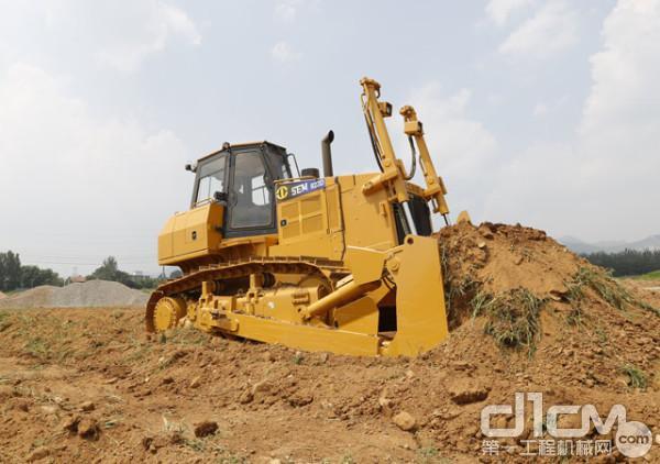 山工机械升级版SEM822D推土机