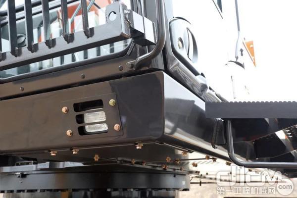 符合OPG顶部护罩II级标准的H/R驾驶室为操作人员提供了可靠防护