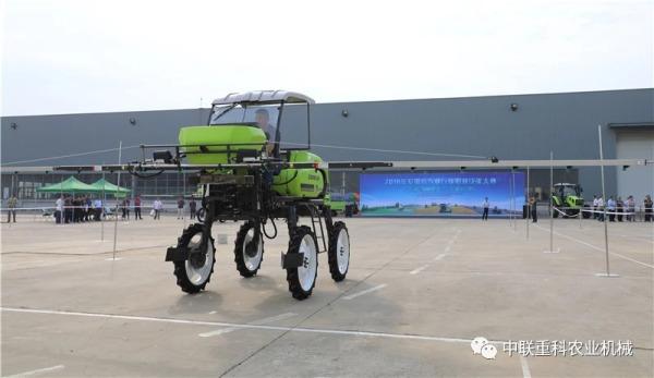 农机驾驶考试现场
