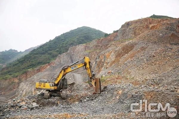 徐工XE470挖掘机